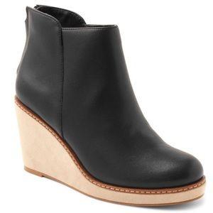 Kensie Higgins Wedge Ankle Boots